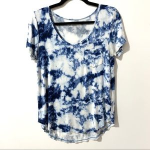 Hollister 'Must have Collection' Hi-Lo tee